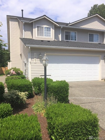 Renton Condo/Townhouse For Sale: 17547 110th Lane SE