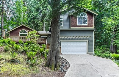 Bellingham Single Family Home For Sale: 8 Maple Ct