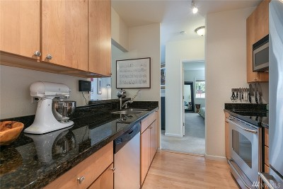 Mercer Island Condo/Townhouse Sold: 2760 76th Ave SE #402
