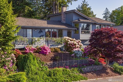 Bellingham Single Family Home For Sale: 232 Bayside Rd