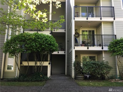 Lynnwood Condo/Townhouse For Sale: 6527 200th St SW #104