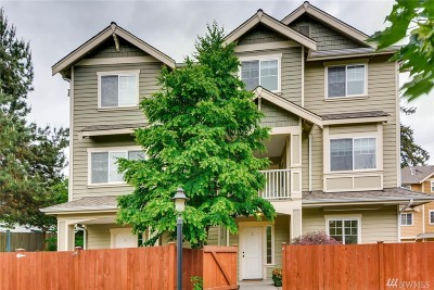 Mountlake Terrace Condo/Townhouse For Sale: 21416 50th Ave W #3
