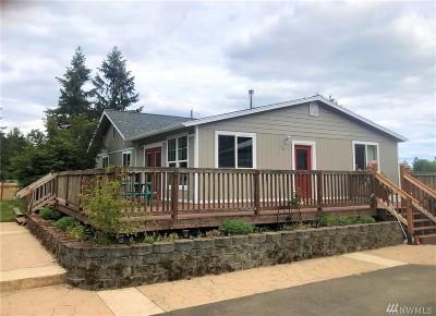 Rainier Single Family Home For Sale: 968 Tipsoo Lp N