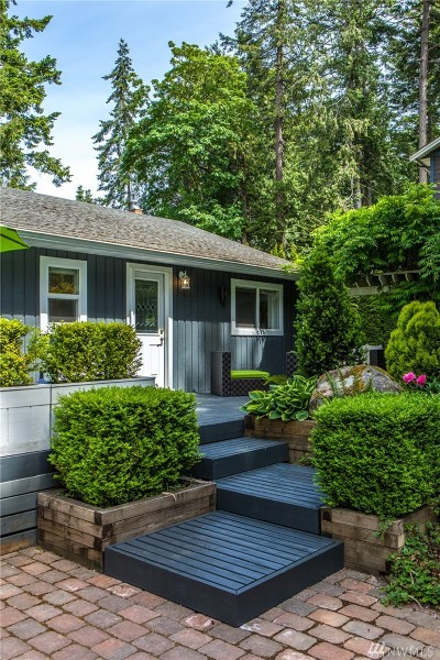 Point Roberts Single Family Home For Sale: 1729 Province Rd