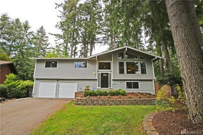 Port Orchard Single Family Home For Sale: 3331 SE Summer Place