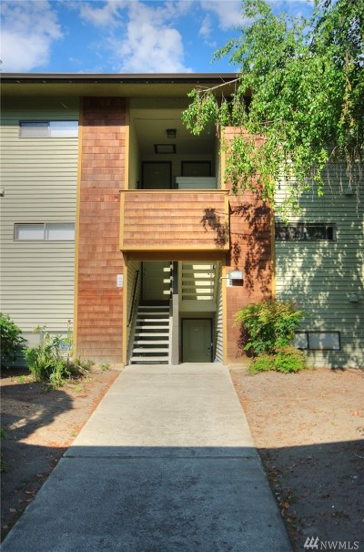 King County Condo/Townhouse For Sale: 23405 16th Ave S #C 103