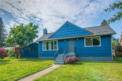 North Bend, Snoqualmie Single Family Home For Sale: 39075 SE Park St