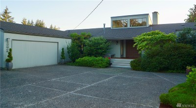 Normandy Park Single Family Home Contingent: 19805 Marine View Drive SW
