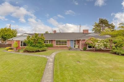 Everett Single Family Home For Sale: 725 Rucker Ave