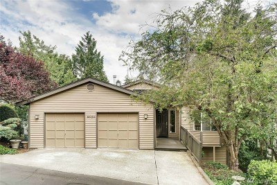 Bellevue Condo/Townhouse For Sale: 3420 161st Place SE