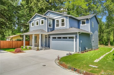 Lake Forest Park Single Family Home Contingent: 3211 Alaska Rd