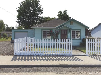 Elma Single Family Home For Sale: 535 N 11th St