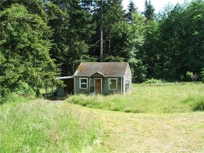 Oak Harbor Single Family Home For Sale: 990 Devries Rd