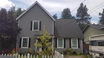 Wilkeson Single Family Home For Sale: 218 Albert St