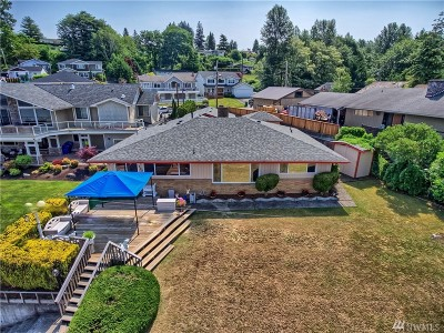 Lake Stevens Single Family Home For Sale: 605 S Lake Stevens Rd