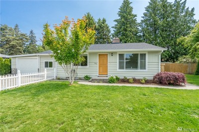 Burlington Single Family Home Sold: 304 Pioneer Dr
