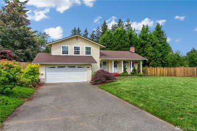 Kirkland Single Family Home For Sale: 8911 NE 142nd Wy