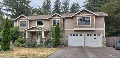 Lakewood Single Family Home For Sale: 10502 Interlaaken Dr SW