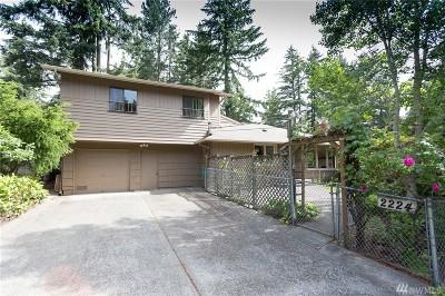 Shoreline Single Family Home For Sale: 2224 NE 168th St