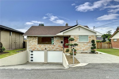Everett Single Family Home For Sale: 414 Rockefeller Ave