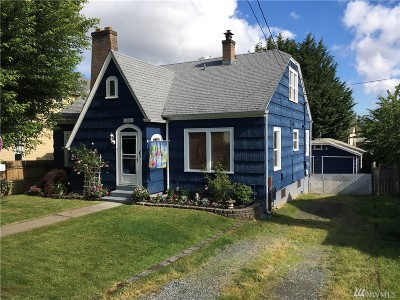 Milton Single Family Home For Sale: 1008 Maine St