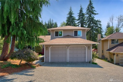 Lynnwood Single Family Home For Sale: 1216 211th Place SW
