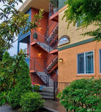 Condo/Townhouse Sold: 717 NW 70th St #203