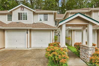 Redmond Condo/Townhouse For Sale: 4640 168th Ct NE
