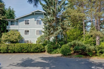 Seattle Condo/Townhouse For Sale: 907 N 163rd St #A32