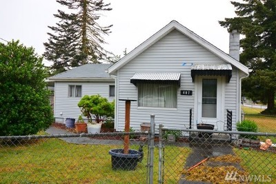 Yelm Single Family Home For Sale: 407 Longmire St NW