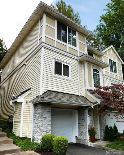 Bellevue Condo/Townhouse For Sale: 6705 SE Cougar Mountain Wy