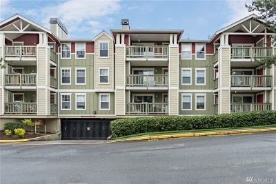 Kenmore Condo/Townhouse For Sale: 7711 NE 175th St #A305