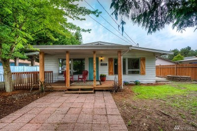 Lynnwood Single Family Home For Sale: 4515 188th St SW