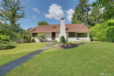 Burien Single Family Home For Sale: 13319 Des Moines Memorial Dr S