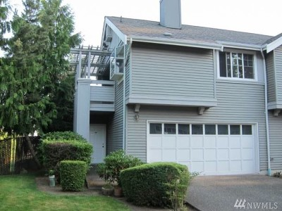 Bothell Condo/Townhouse For Sale: 22727 4th Ave W #102