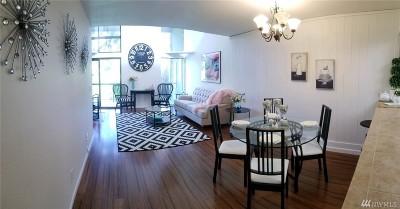 Redmond Condo/Townhouse For Sale: 6674 138th Ave NE #608