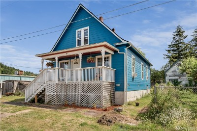 Single Family Home For Sale: 677 NW Geary St