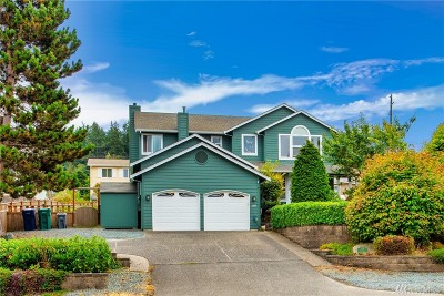 Anacortes Single Family Home For Sale: 3211 Oakes Ave