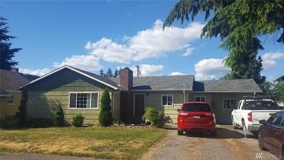 Centralia Single Family Home For Sale: 1013 W Cherry St