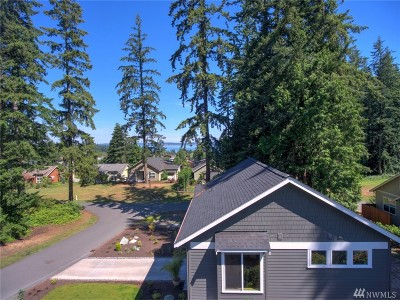 Langley Single Family Home Sold: 1098 Village Loop