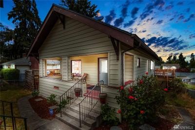 Everett Single Family Home For Sale: 2213 Madison St