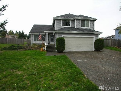 Spanaway Single Family Home For Sale: 3810 212th St Ct E