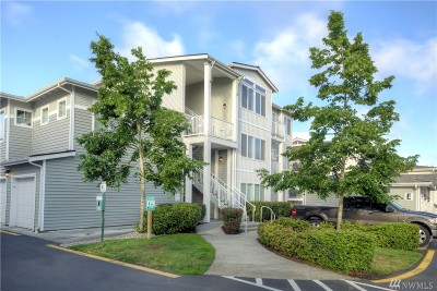 Bothell Condo/Townhouse For Sale: 14915 38th Dr SE #1009