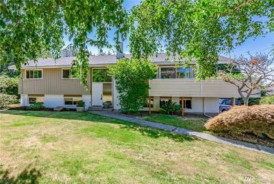 Everett Single Family Home For Sale: 5202 Sound Ave