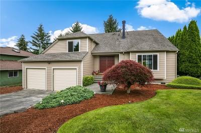 Single Family Home For Sale: 3621 Northshore Blvd NE