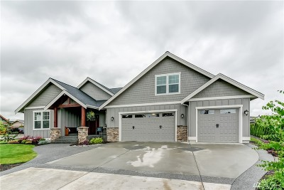Lynden Single Family Home For Sale: 1703 Burlwood Wy