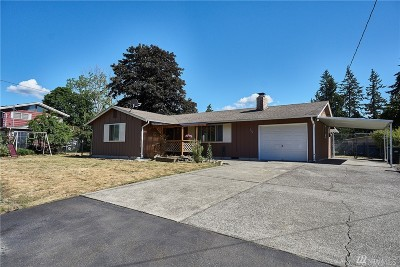 Lakewood Single Family Home For Sale: 9618 Lawndale Ave SW