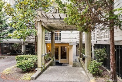 Shoreline Condo/Townhouse For Sale: 700 N 160th St #A207