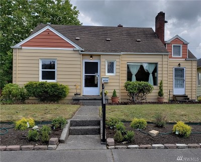 Everett Single Family Home For Sale: 2113 Cedar St