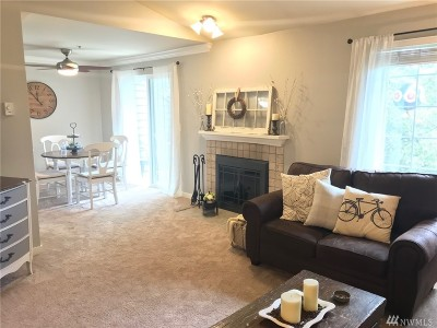 Federal Way Condo/Townhouse For Sale: 28300 18th Ave S #I-303